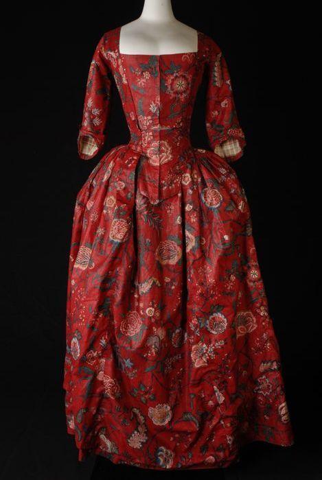 Museología del traje XIII: Vestido favorito