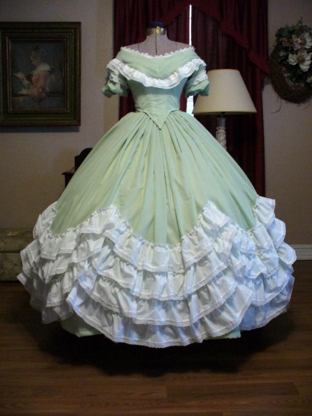 Museología del traje:  Vestido favorito del mes