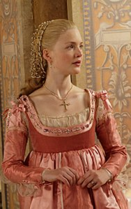 Holly-Grainger-as-Lucrezia-Borgia